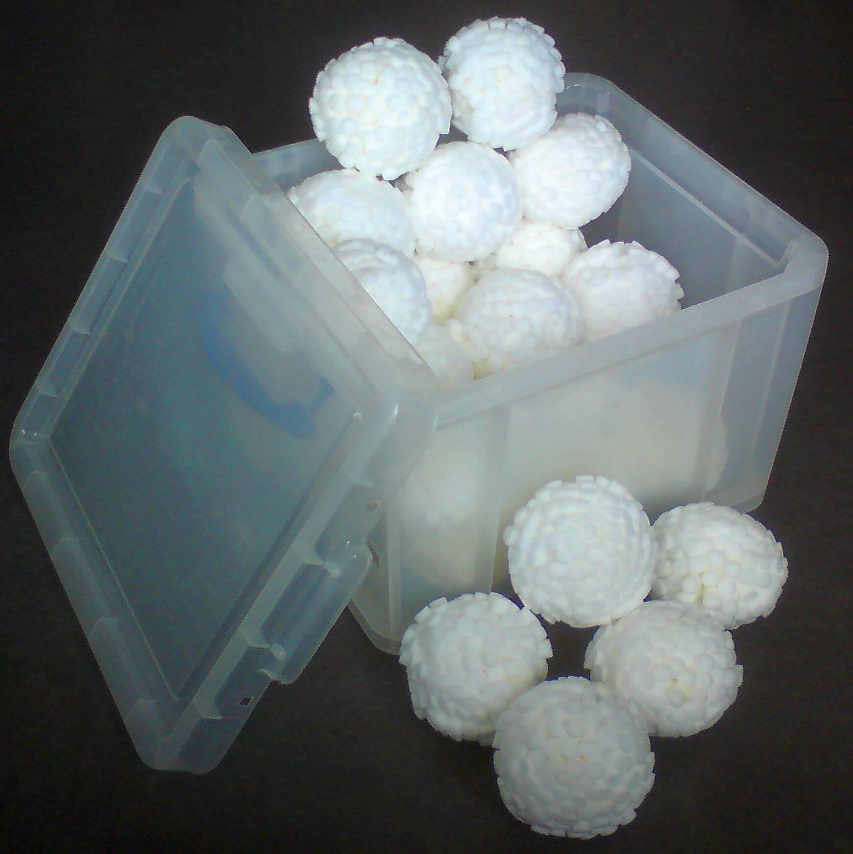 Opbergbox met 27 Droge Sneeuwballen